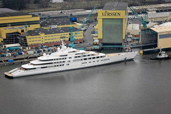 RT @PSciacca23: The 180-meter Azzam from Lürssen. Wow. #yachts http://t.co/kNQHwrr68B