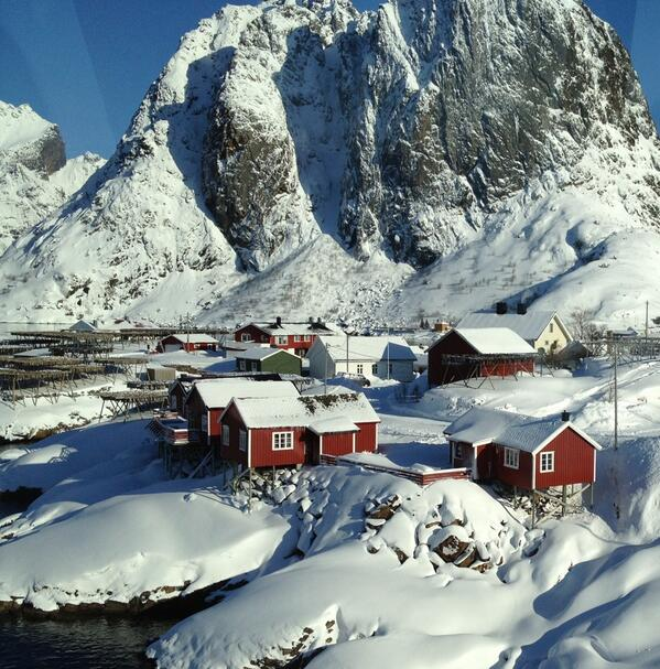 RT @BeateGran: Oh, just another fishing village in the #Lofoten #Islands #northernnorway #visitnorway http://t.co/yzNS23iVEW