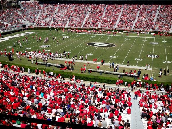 45,113 in attendance today. Thanks for the support #DawgNation #GDAY13 http://t.co/9BOVDLVMWv