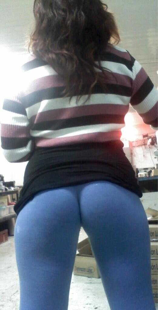 RT @SeanGee7: @girlsinyogapant she's wants the D http://t.co/Bxc6LUhSFi