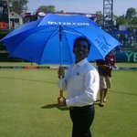 In a rare Mary Poppins moment, here is @bhogleharsha being shady at the Kotla #PepsiIPL