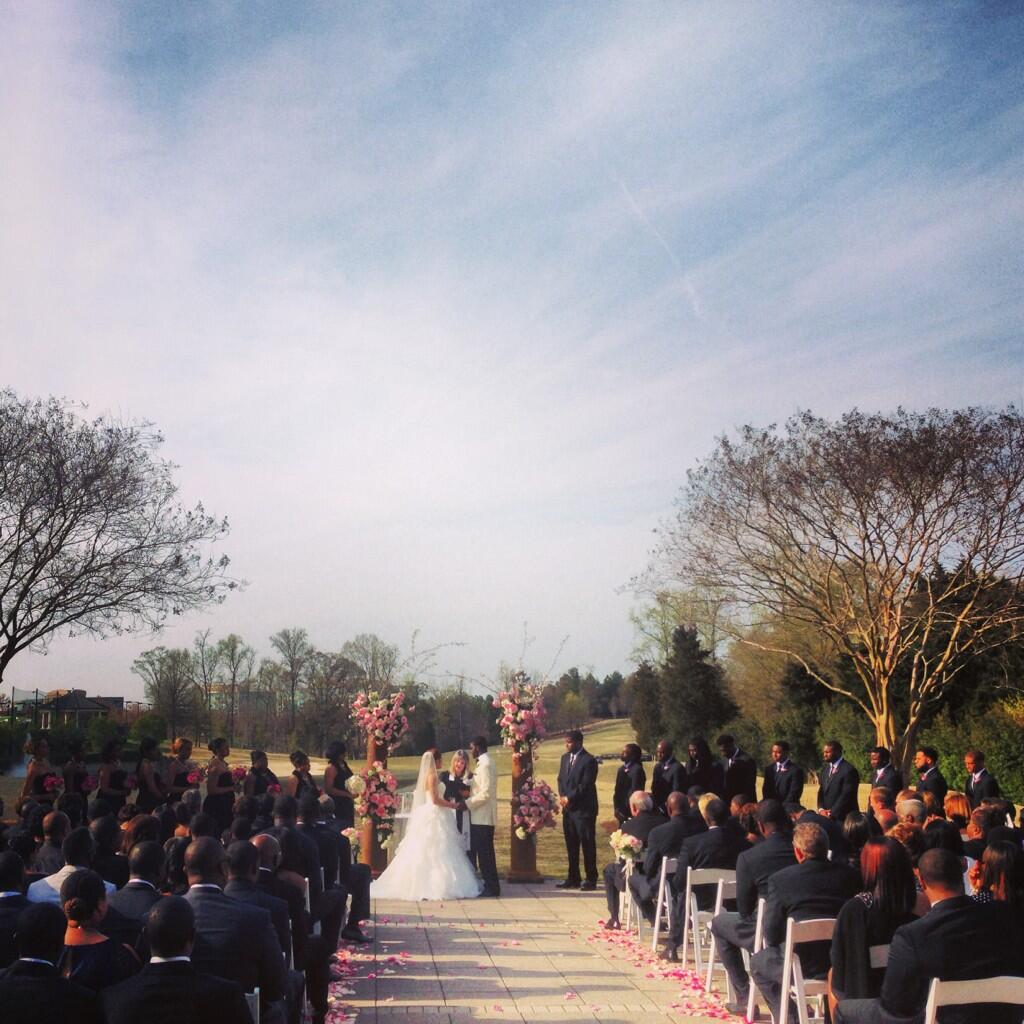Mrs. Armanti Edwards! High school #sweethearts had a smashing #wedding