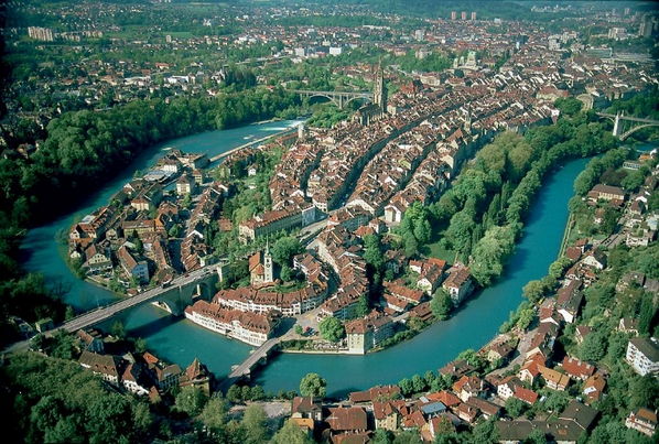 The Old City of Bern, Switzerland from Above http://t.co/DUOREQxEfI