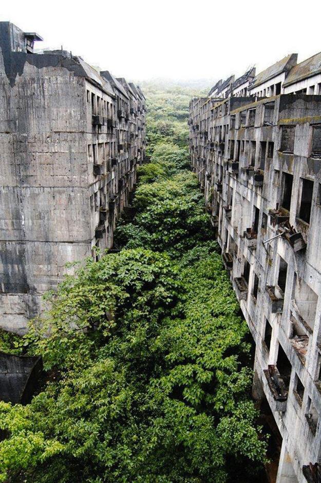 La impresionante ciudad abandonada de Keelung, en Taiwán. http://t.co/3FJtqugn2S