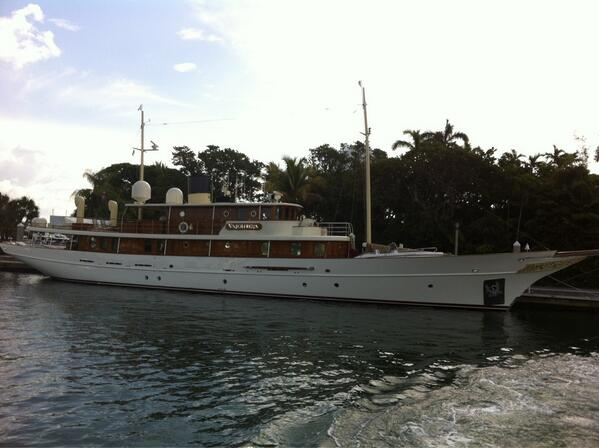 RT @PSciacca23: Saw Johnny Depp's yacht docked at Bahia Mar in Fort Lauderdale this morning. Sweet boat. #yachts http://t.co/fCU1Q1U59c