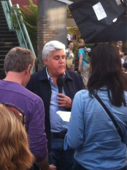 "Just met Jay Leno at Universal!!! Lol <a class=""linkify"" href=""http://t.co/85kdx3hxL2"" rel=""nofollow"" target=""_blank"">http://t.co/85kdx3hxL2</a>"