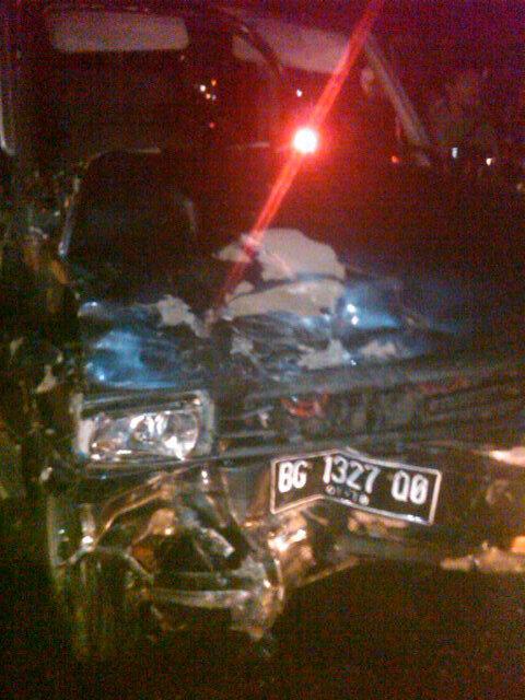 RT @AboutPalembang: via @vatarVMC: Kecelakaan maut diatas ampera jam 01 dini hari antar mini bus avanza dan kijang http://t.co/Ch17jXrG4B