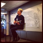 Beautiful performance by @diamondrings. Thanks for brightening our day! #whiteboardsessions http://t.co/VVyzQKOMyv