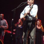 RT @lylt22: James Taylor on stage
