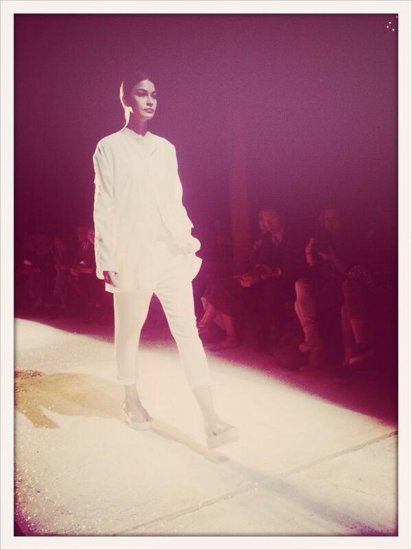 Le look Chloé de Victoria Feldman & Tomas Berzins @villanoailles #festivaldhyeres http://t.co/ndASIfngUU