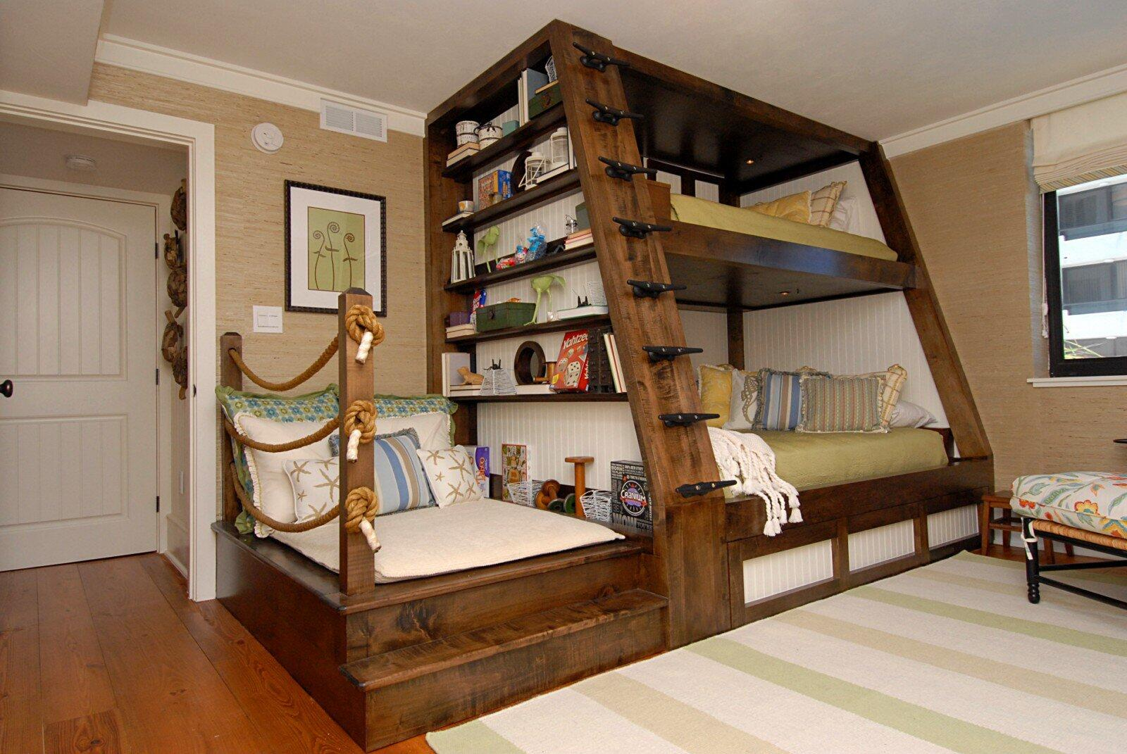 A Bunk Bed with a Reading Nook http://t.co/7rDhanvZ8S