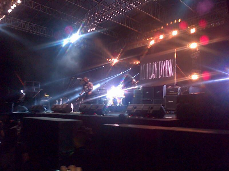 AS I LAY DYING!! #Hammersonic http://t.co/poYlAY09yj