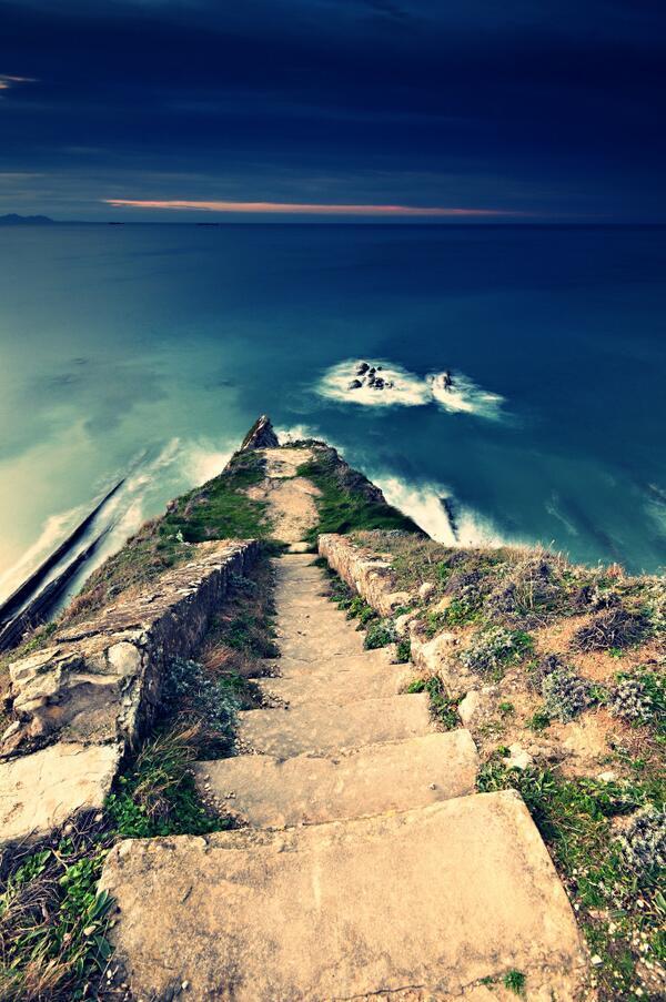 Punta Galea, Getxo (Bizkaia) @_Paisajes_ http://t.co/GJ94rEFRS3