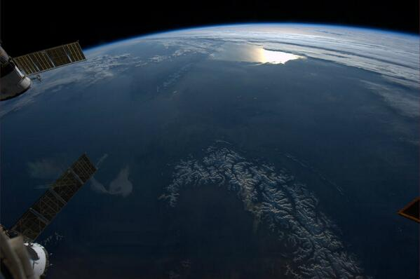 RT @AstroMarshburn: Entire Iberian peninsula was clear yesterday – Pyrenees to Alps! http://t.co/zfNnkxRwkM