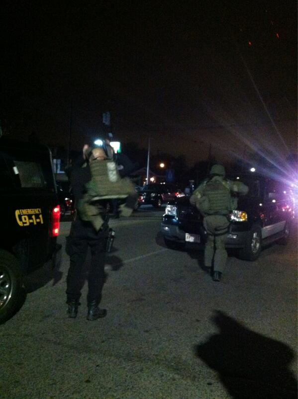 RT @UlandayPhoto SWAT team suiting up. http://t.co/P2XKlAv87y