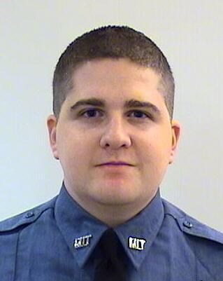 Bobby Bones (@mrBobbyBones): RIP Sean Collier. The MIT Officer killed last night. So sad. http://t.co/8i7Snxnawx