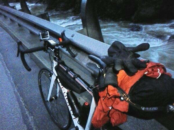 Buongiorno!!Una colazione e una dormita da guiness e sono in pista al 100% Verso il lago di Garda ora! @peugeotitalia