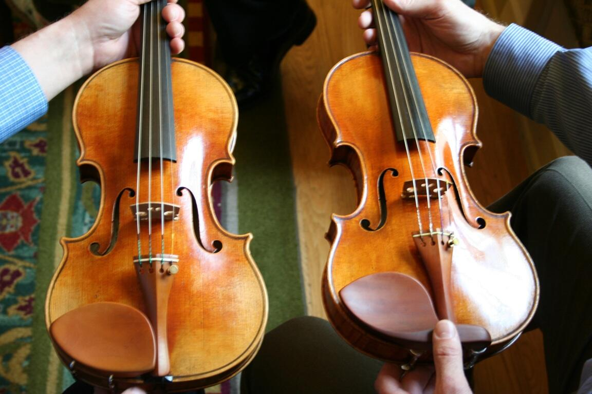 A copy of the 'Betts' Stradivari was presented to @librarycongress last week. Can you tell which is the original? http://t.co/UKQai6HrZK