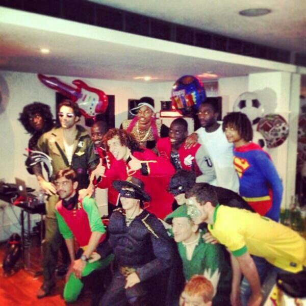BIe5soaCQAAtlMr Marko Marin Tweets pictures of the Chelsea fancy dress party