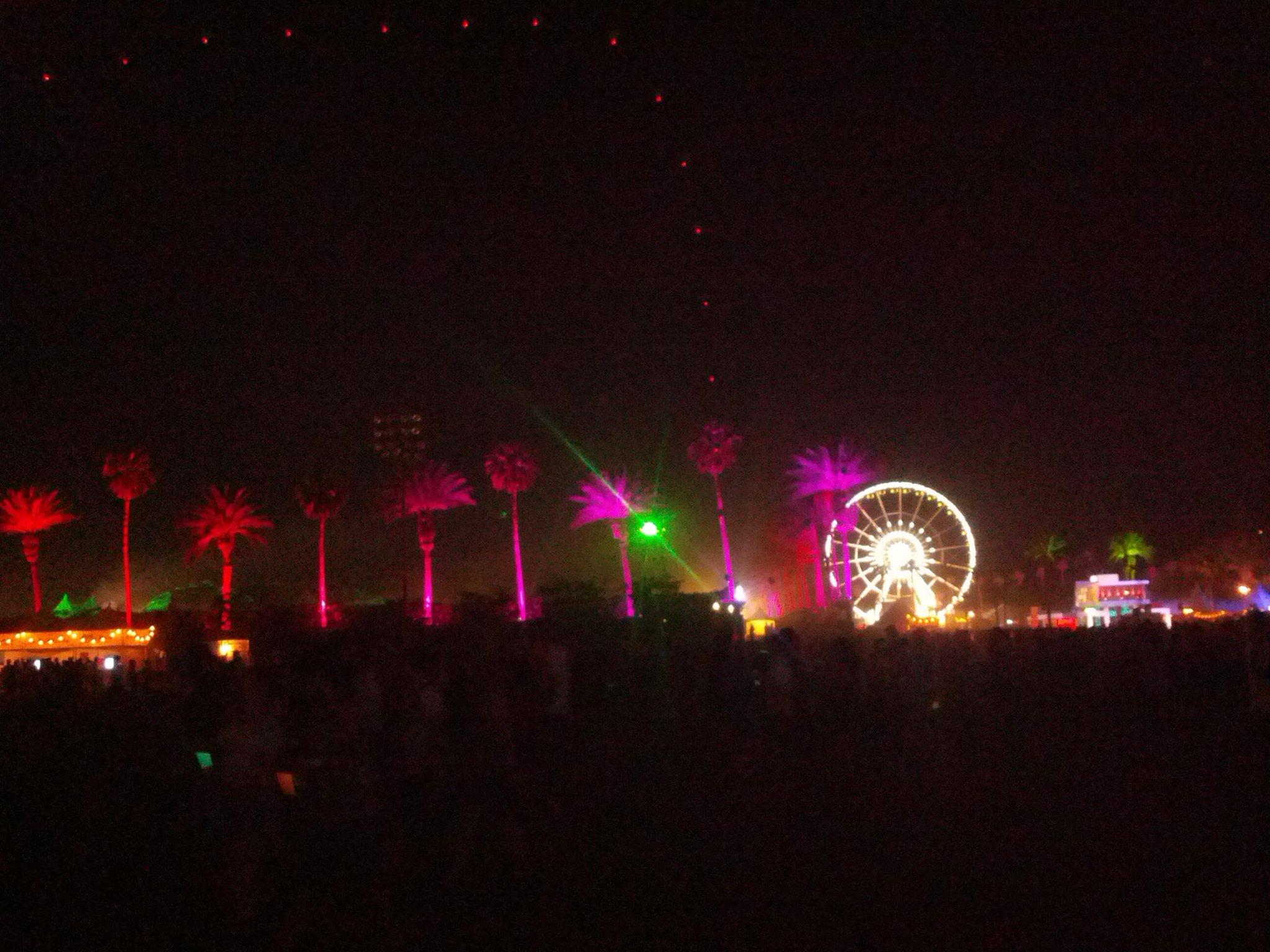 The Faris Wheel at night #SaveFarisFest @savefaris http://t.co/Te2PdPkMLN
