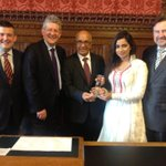 RT @JonAshworth: Just had the opportunity to welcome Bollywood star & singer Shreya Ghoshal to Westminster http://t.co/Moc7wrdM7J