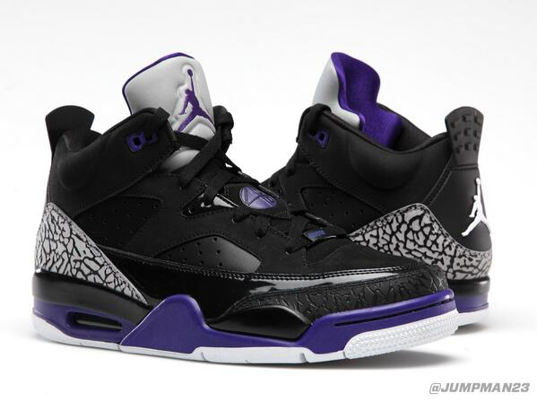 Saturday brings our second Son Of Low to the scene in a 'Black / Grape Ice' look. Check it: http://t.co/A7EuRLBx2X