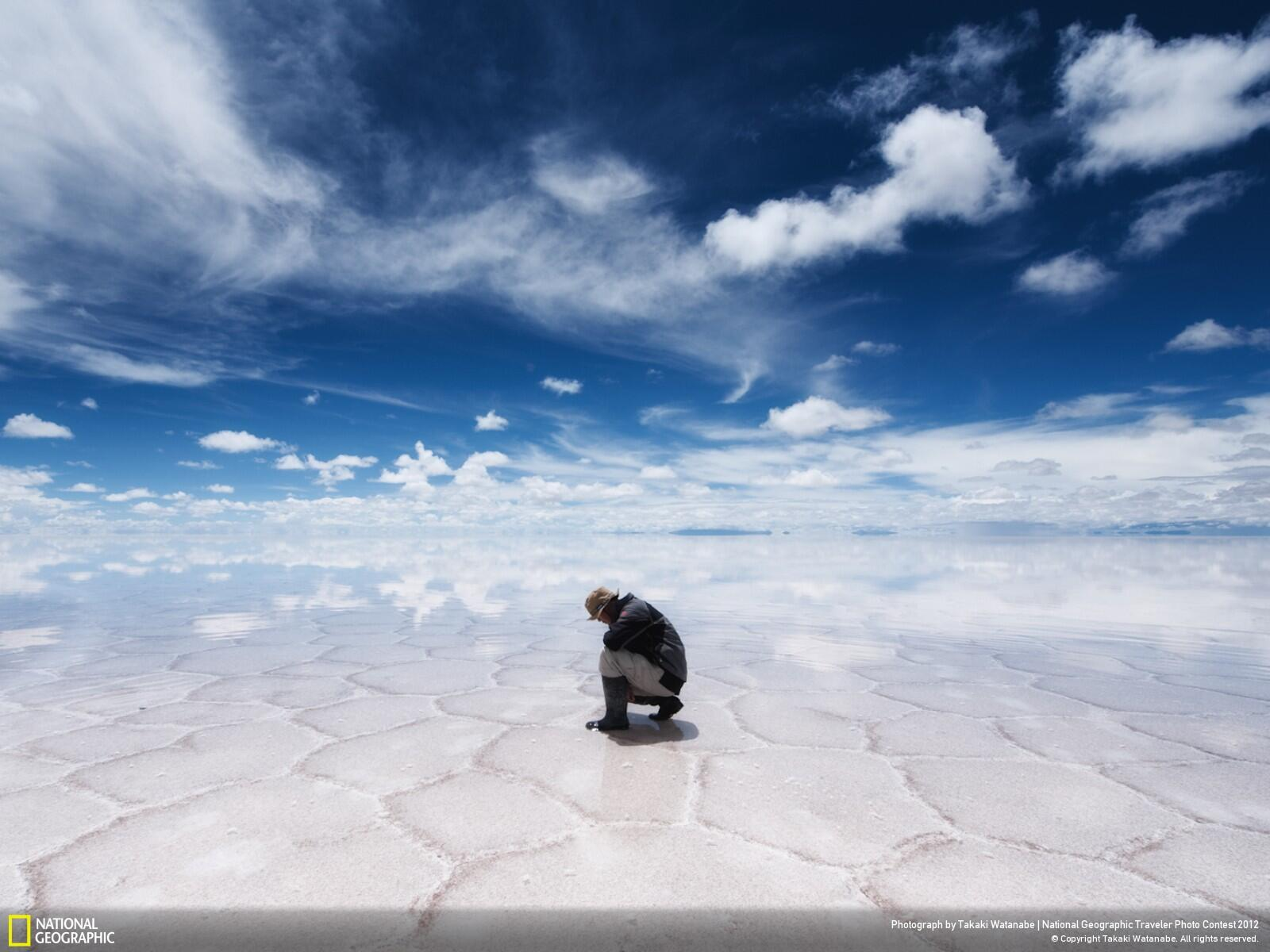 Reflection at the World's Largest Salt Flat, Salar de Uyuni, Bolivia http://t.co/c36h6tos3X