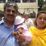 Lahore couple brought baby to polling station - LIVE updates from Pakistan elections http://t.co/x3kD5lZX2a #pakvotes
