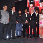 And The Deols & director @sangeethsivan. Jai Ho.:) @MandviSharma: @iamsrk @AnupamPkher at the music launch of YPD2
