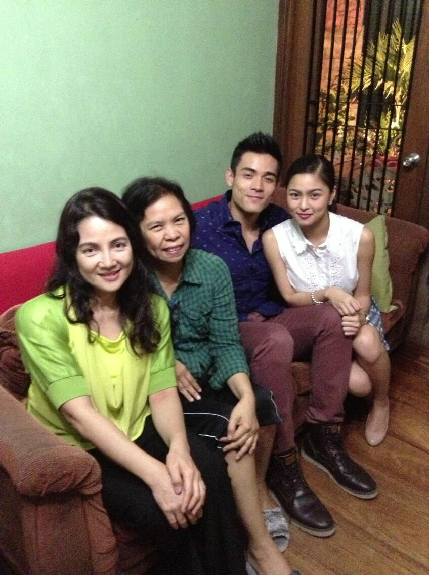 Mom was visited byher friend tita Mary Anne and son Xian Lim with Kim Chiu. Thanks for making mom happy tita!! :) http://t.co/ZJfTUGCe7I