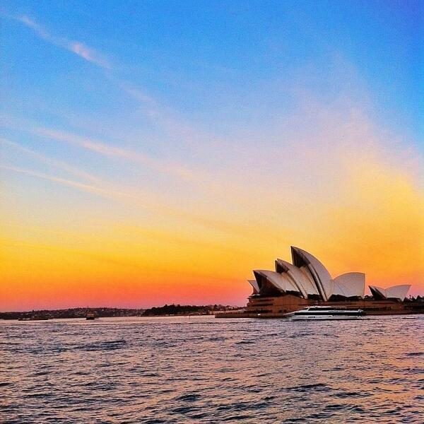 Great sunset backdrop to the always photogenic Sydney #OperaHouse. Love this shot by @inkish! (Shared via Instagram) http://t.co/MlmFQrTpvK