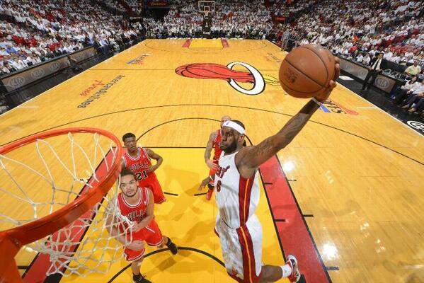 Como ya sabéis ayer Miami gano a Chicago (Heat 115-78 Bulls) y puso el 1-1 en el marcador de la eliminatoria http://t.co/uLHiTB6WvH