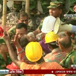 VIDEO: Woman pulled alive from rubble of Dhaka factory after 17 days http://t.co/TrnR3EUSTG