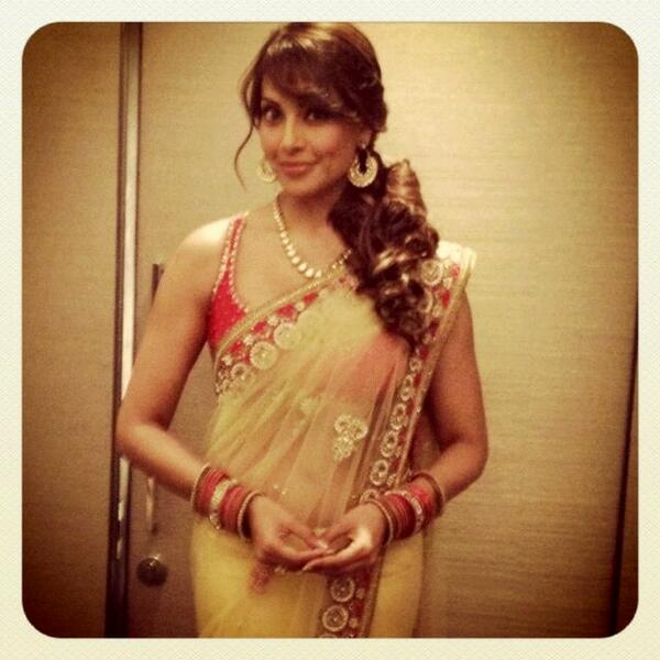 Off to dear golia's sangeet in my dearest @binalss beautiful outfit:) http://t.co/oiDbh7ycVG