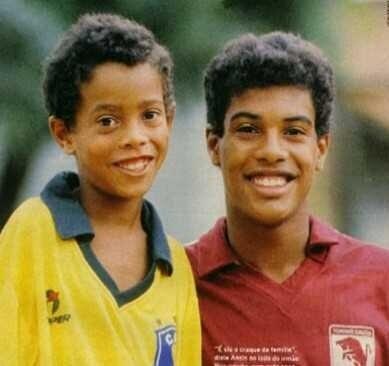#DeNiño Ronaldinho marcó 23 GOLES en un sólo partido (su equipo ganó 23-0), y así fue como se dio a conocer. http://t.co/T0UPwO4NHu