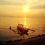 Sunset seen from Manila Bay by @Lochia_Ruvia Shot with a #Lumia920 http://t.co/4tHje6s8FD