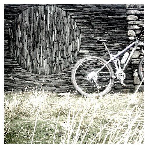 Andy goldsworthy sculpture en route to borrowdale. # grizedaletowhinlatter http://t.co/i4aNaL1LoH