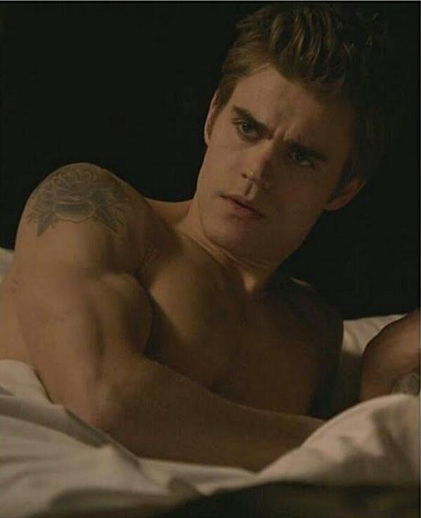 We want Stefan Salvatore ! http://t.co/FWe6bfd1iU
