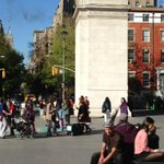WashingtonSqPark,NewYork.Some British influence here? A Marble Arch look-alike & don't miss Voldemort on the bench! http://t.co/t906Gq3cxR