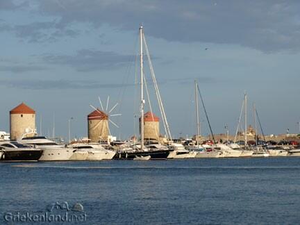 Prachtig Rhodos-stad. Retweet als je #Rhodos ook zo mooi vindt... http://t.co/f5y3QXKKPT