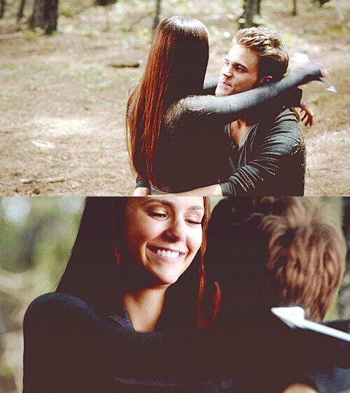 Elena's happy face ♡ http://t.co/eJeM7ql76n