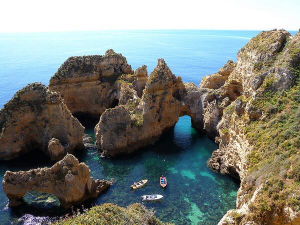 Lagos en Portugal una ciudad que se destaca por su costa accidentada @Aventoursguate  http://t.co/BoX0jW55e7