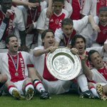 Een fraaie kampioensfoto (2004) uit het rijke Ajax-archief. Morgen komt er (hopelijk) een verse plaat bij! #32