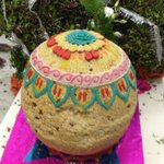 Yep that is an edible laddu. 69kgs!!! Dasari uncle birthday celebrations :) http://t.co/aESzlZE630
