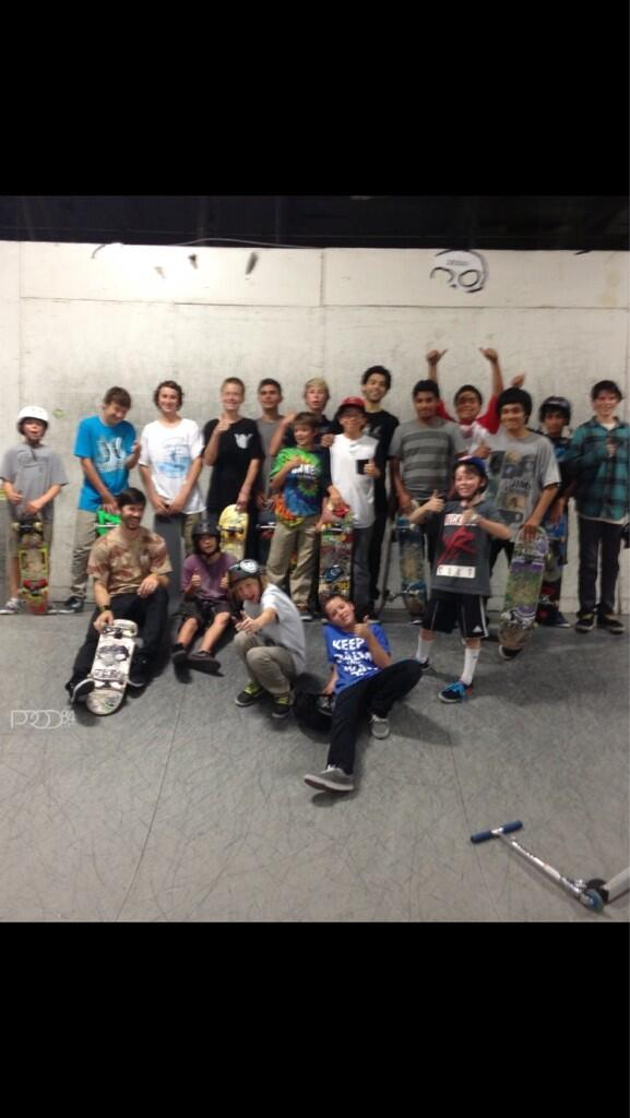 Came to have a session with @Chriscobracole at black box and they had a bday party going on so we just crashed it! http://t.co/VtyIEzKosN