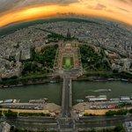 Eyfel kulesinden Paris... http://t.co/MwthYJECAg