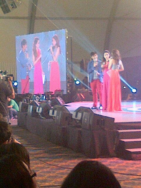 RT @theJeromeVargas: The Host for tonight's event, Robi, Toni, Alex #ABSCBN Trade Launch http://t.co/T7h8htAHPp