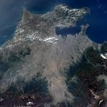 RT @Cmdr_Hadfield: Tokyo harbour and Mt Fuji - humanity and nature visible from space.