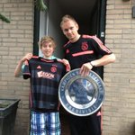 Onze aanvoerder @siemdejong heeft zojuist het eerste #Ajax #Uitshirt afgeleverd in Ouderkerk a/d Amstel!