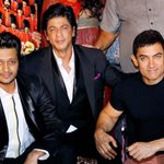 Incredible! Aamir, Shah Rukh seen dancing, posing for photos together in rare joint appearance http://t.co/ygdOMU75L9 http://t.co/rdlpuN0SpZ
